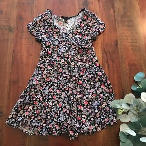 Forever 21 Button Up Dress in Floral